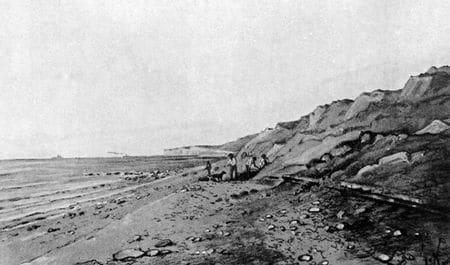 Fouilles paléontologiques à Octeville (Seine-Maritime) pour l'extraction d'un squelette du stégosaure Omosaurus.